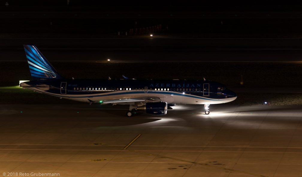 AzerbaijanAirlines_A320_4K-AI07_ZRH180125_02