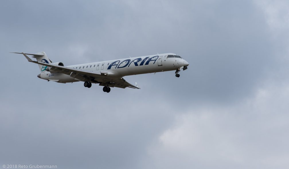 AdriaAirways_CRJ9_S5-AAU_ZRH180126