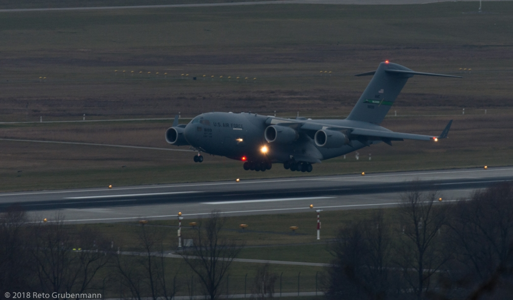 USAF_C17_08-8199_ZRH180128_02