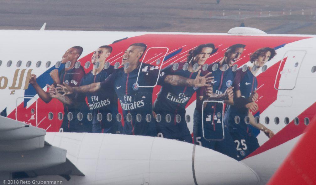 Emirates_A388_A6-EUB_ZRH180311_03