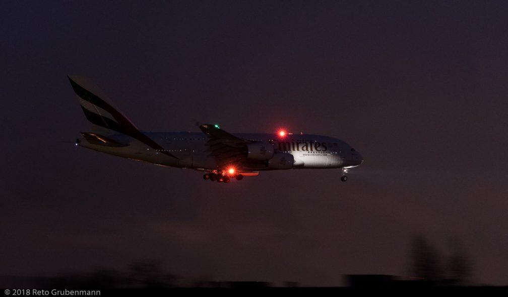 Emirates_A388_A6-EUJ_ZRH180312