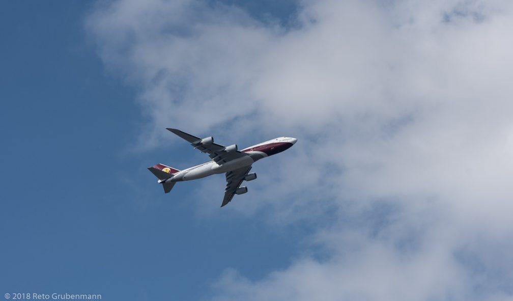 WorldwideAircraftHolding_B748_VQ-BSK_ZRH180314_01