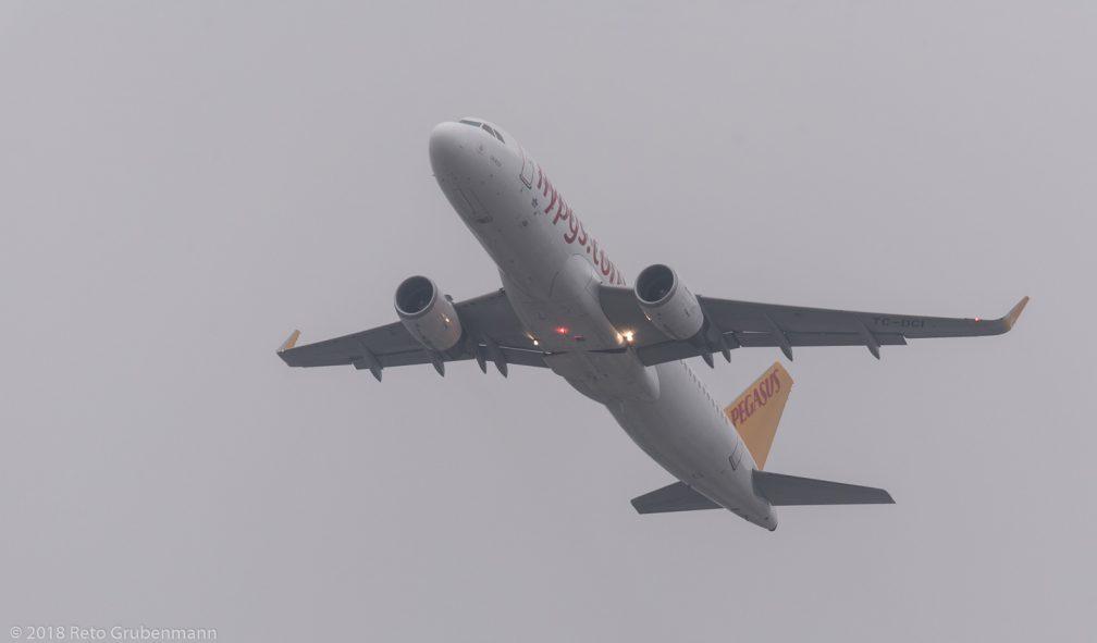 PegasusAirlines_A320_TC-DCI_ZRH180317