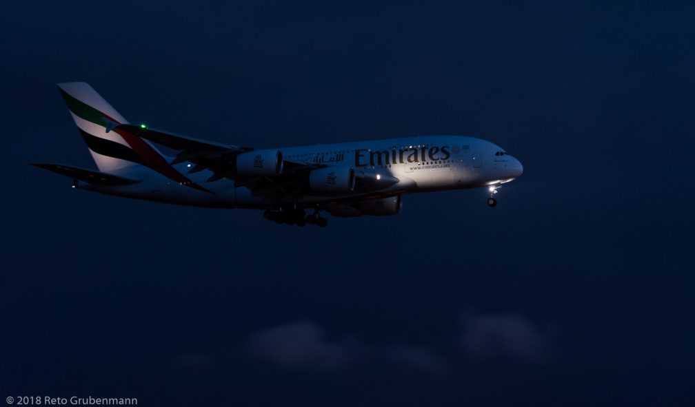 Emirates_A388_A6-EEV_ZRH180331