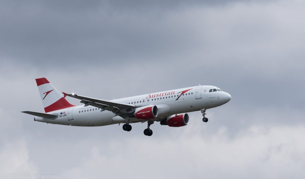 AustrianAirlines_A320_OE-LBRZRH180401