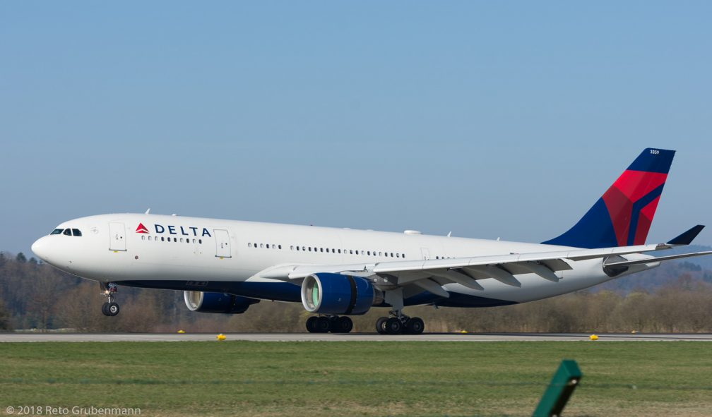 DeltaAirLines_A332_N859NW_ZRH180407