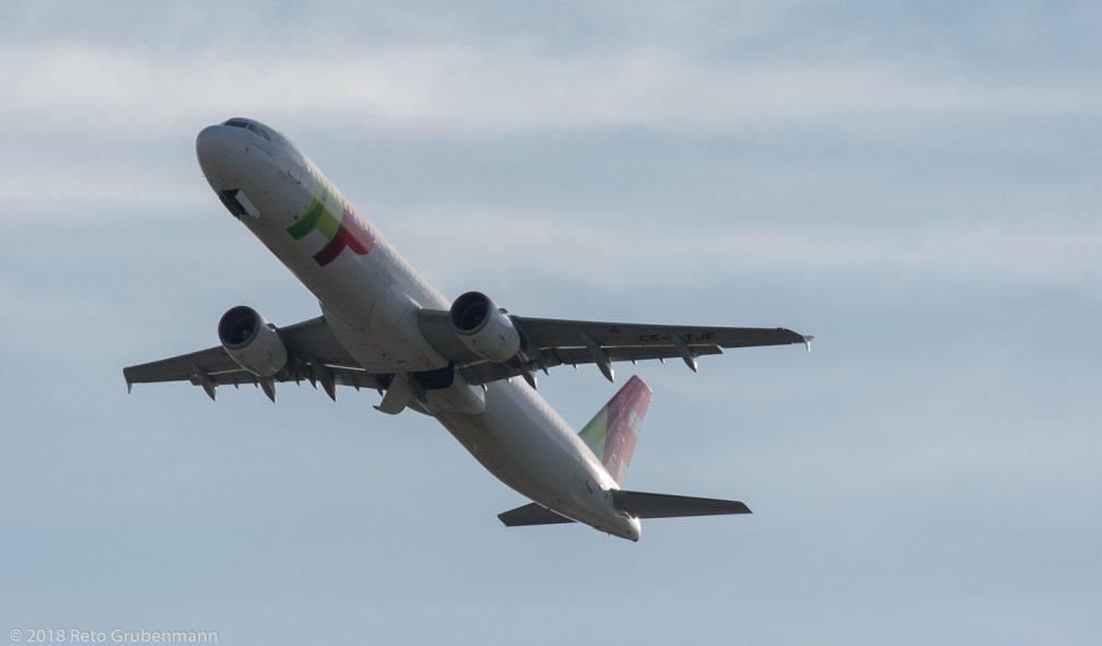 TAPPortugal_A321_CS-TJF_ZRH180417