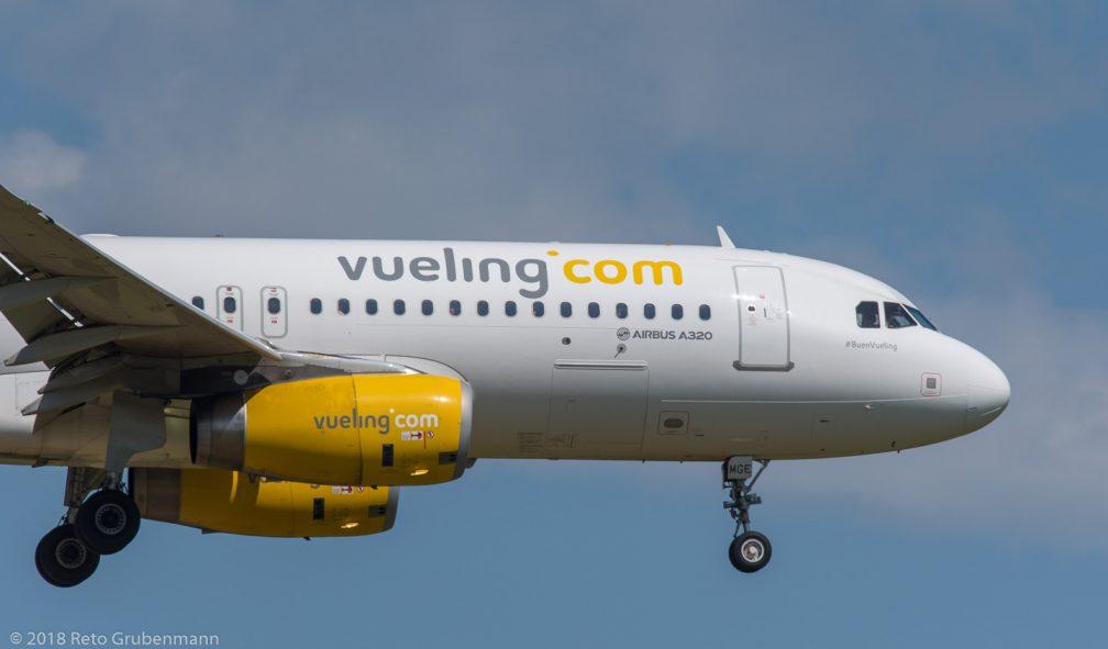 vueling_A320_EC-MGE_ZRH180429