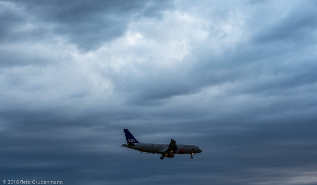 ScandinavianAirlines_A320_OY-KAM_ZRH180430