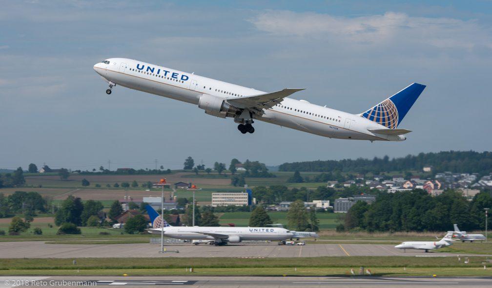 UnitedAirlines_B764_N67058_ZRH180521