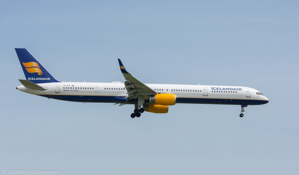 Icelandair_B753_TF-FIX_ZRH180527
