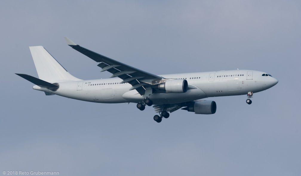 AlmasriaUniversalAirlines_A332_Su-TCH_ZRH180602