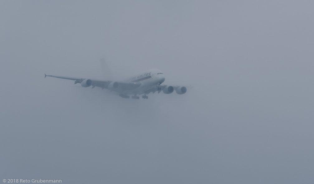 SingaporeAirlines_A388_9V-SKH_ZRH180602