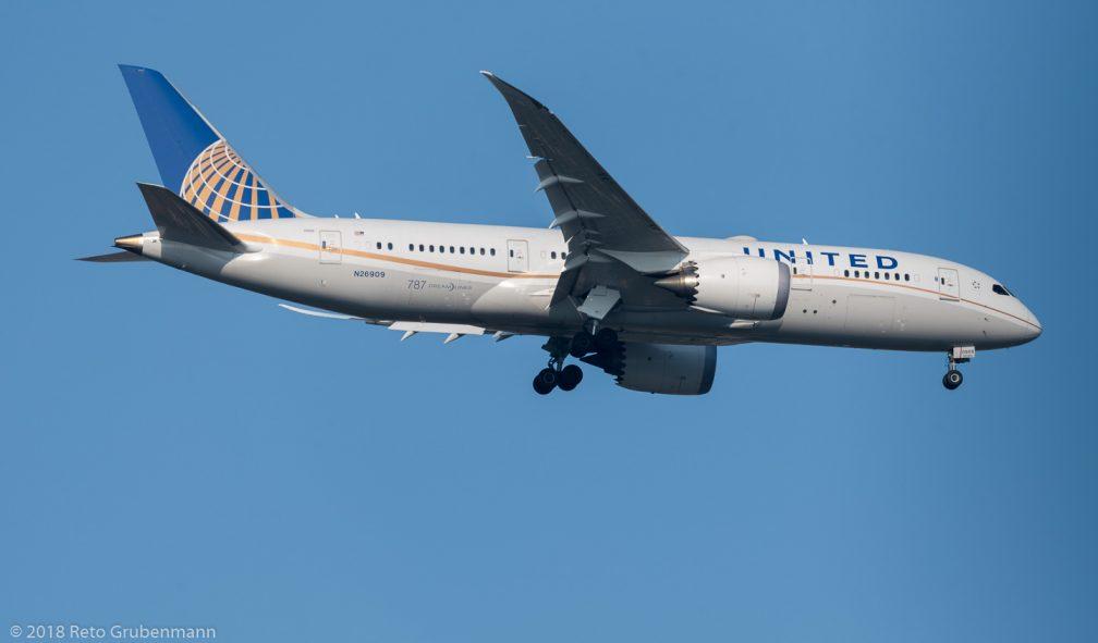 UnitedAirlines_B788_N26909_ZRH180602