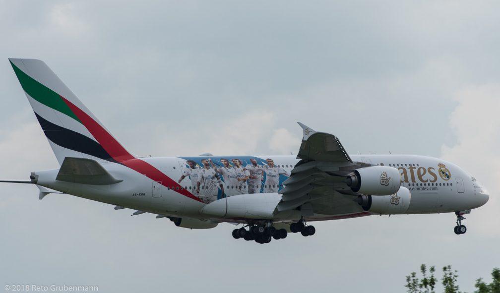 Emirates_A388_A6-EUG_ZRH180609_02
