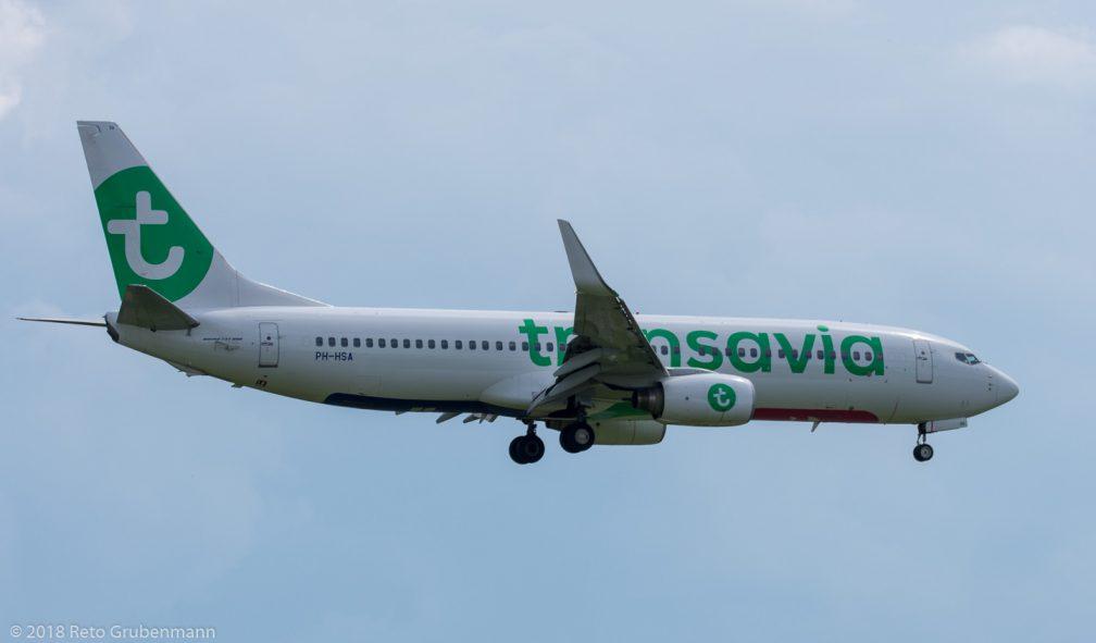 Transavia_B738_PH-HSA_ZRH180610