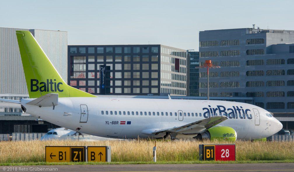 airBaltic_B733_YL-BBR_ZRH180614