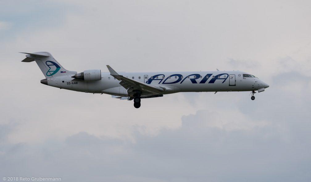 AdriaAirways_CRJ7_S5-AAW_ZR180617