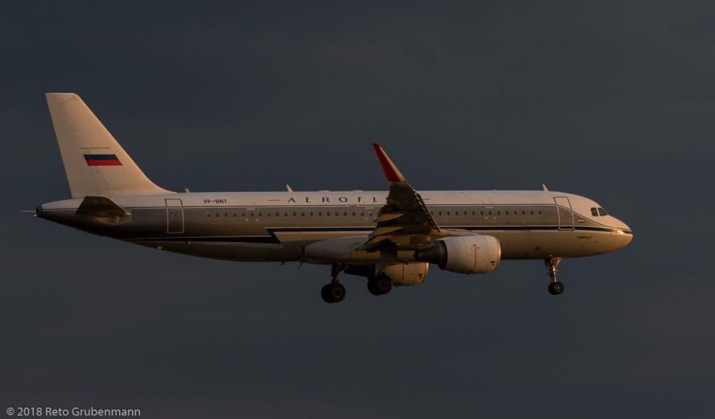 Aeroflot_A320_VP-BNT_ZRH180621_02