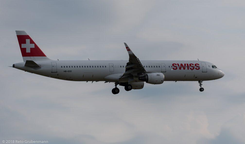 Swiss_A321_HB-IOO_ZRH180621