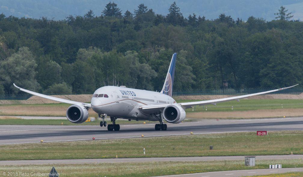 UnitedAirlines_B788_N26910_ZRH180624