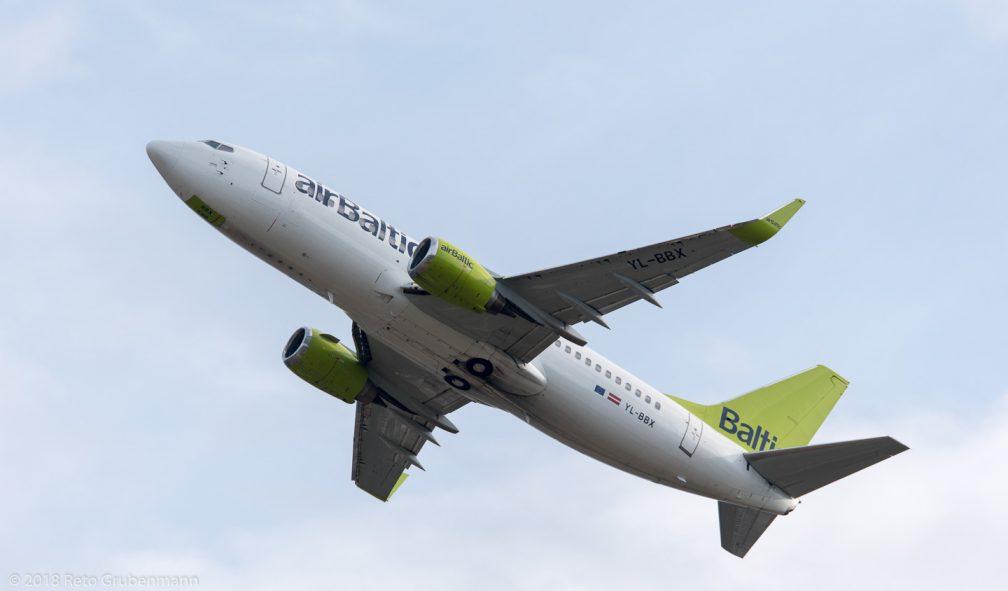 airBaltic_B733_YL-BBX_ZRH180628