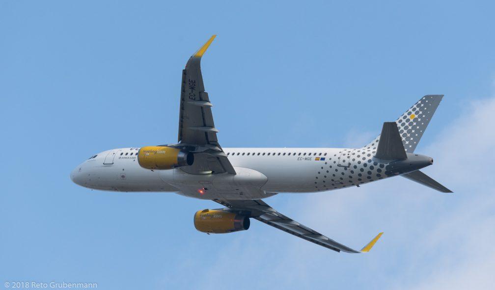 vueling_A320_EC-MGE_ZRH180629