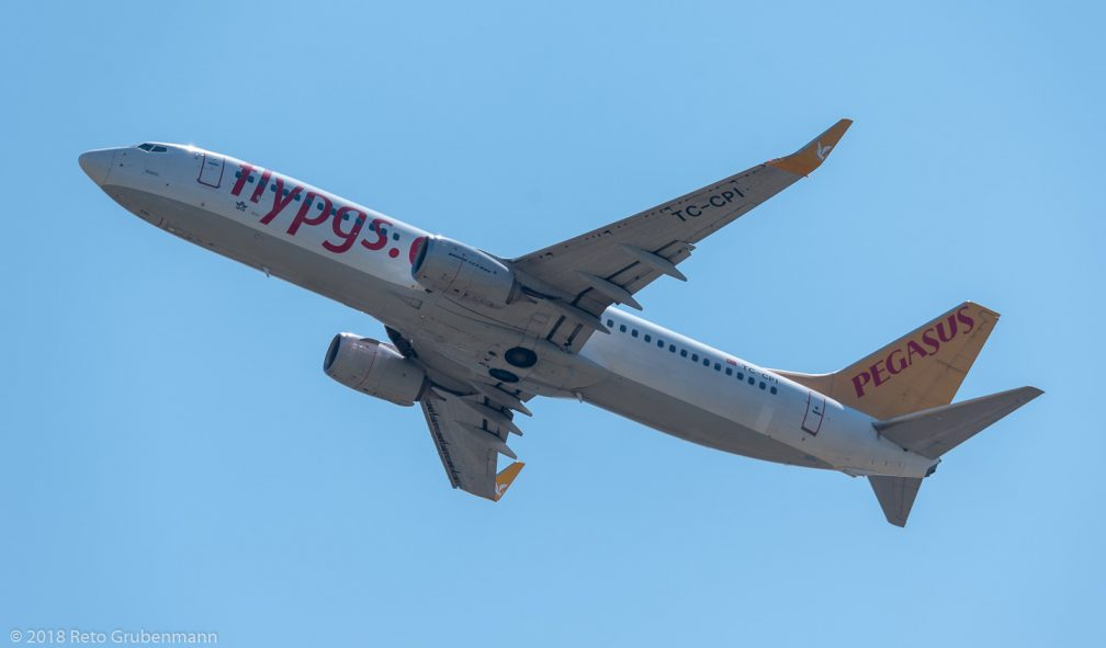 PegasusAirlines_B738_TC-CPI_ZRH180630