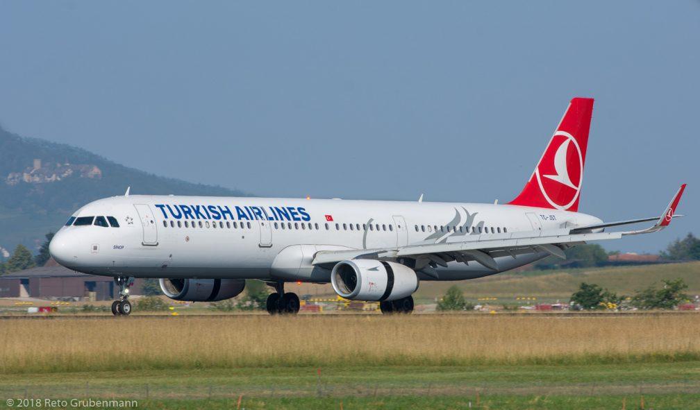 TurkishAirlines_A321_TC-JST_ZRH180630_01