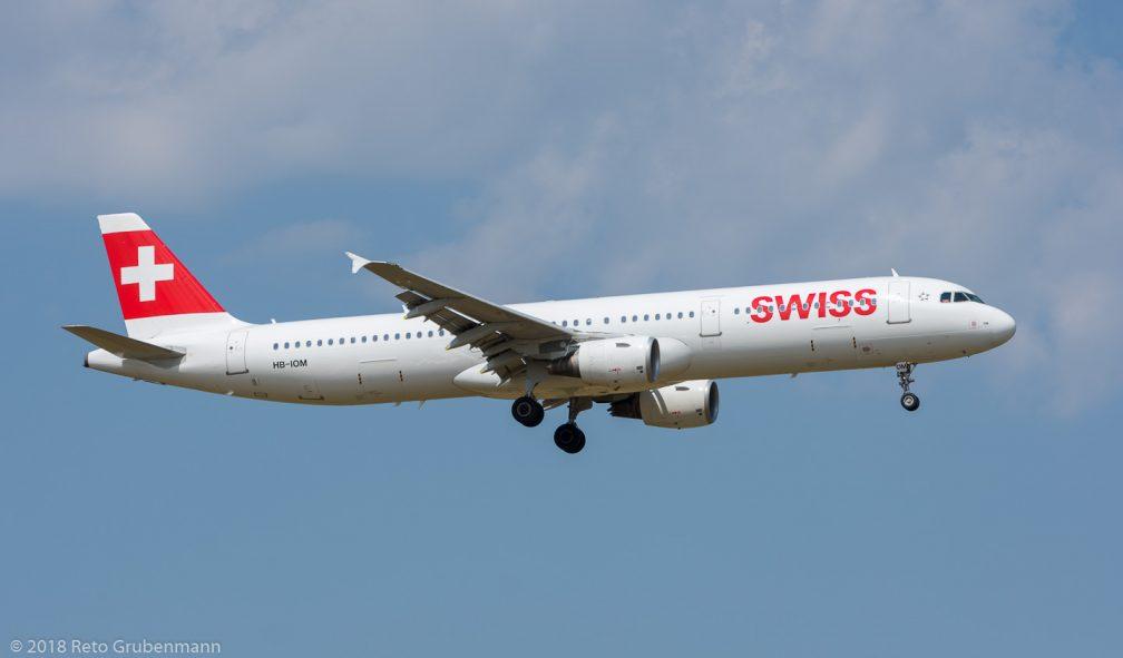 Swiss_A321_HB-IOM_ZRH180702