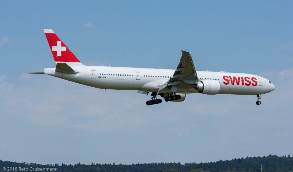 Swiss_B77W_HB-JNA_ZRH180702