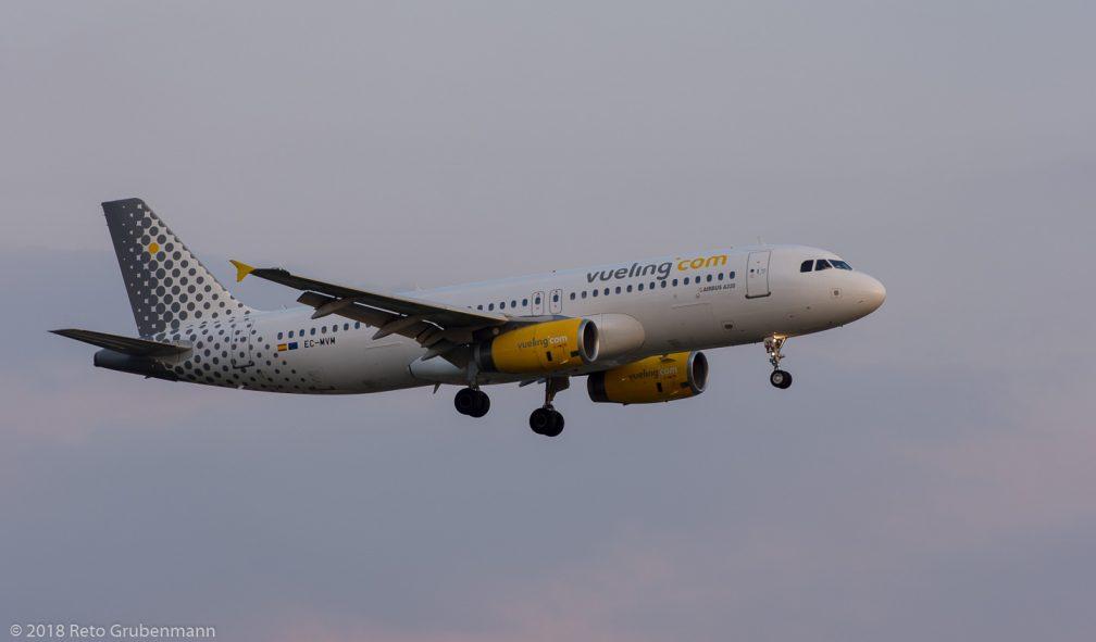vueling_A320_EC-MVM_ZRH180708
