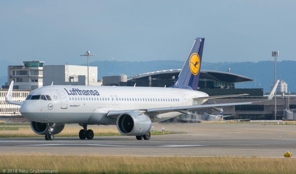 Lufthansa_A20N_D-AINJ_ZRH180710_01