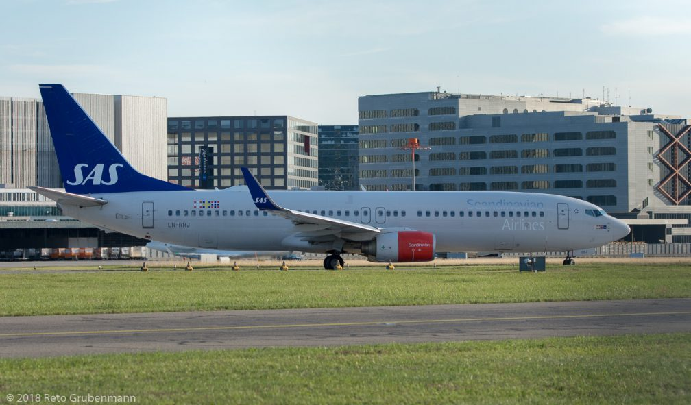 ScandinavianAirlines_B738_LN-RRJ_ZRH180712