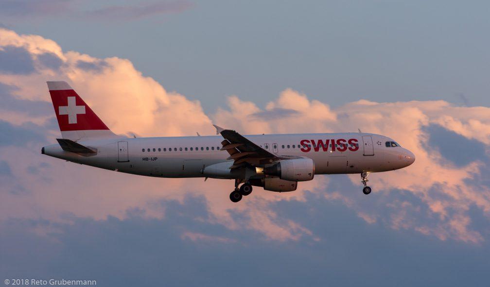 Swiss_A320_HB-IJP_ZRH180713
