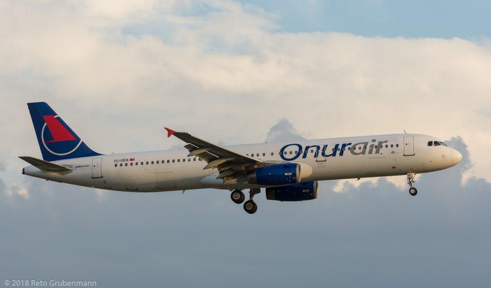 OnurAir_A321_TC-OEA_ZRH180714