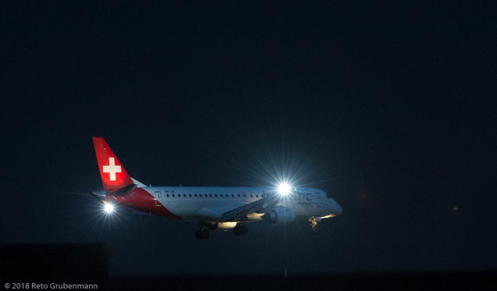 HelveticAirways_E190_HB-JVL_ZRH180716