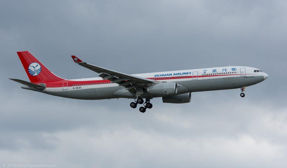 SichuanAirlines_A333_B-8690_ZRH180721