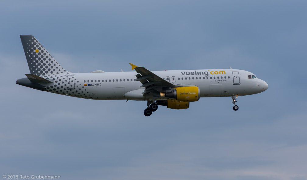 vueling_A320_EC-MVO_ZRH180721