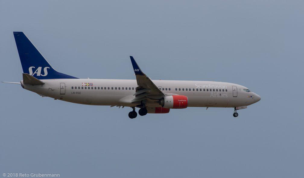 ScandinavianAirlines_B738_LN-RGE_ZRH180722
