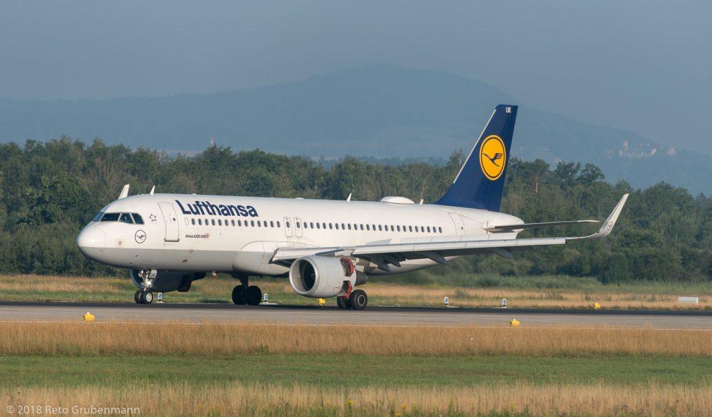 Lufthansa_A320_D-AIUK_ZRH180724
