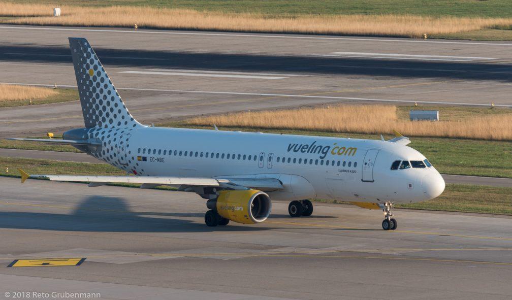 vueling_A320_EC-MBE_ZRH180726