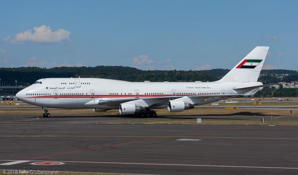 DubaiAirWing_B744_A6-MMM_ZRH180727_01