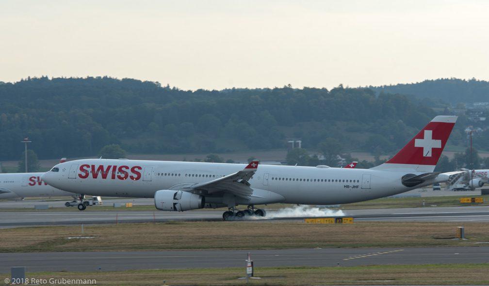 Swiss_A333_HB-JHF_ZRH180728_01