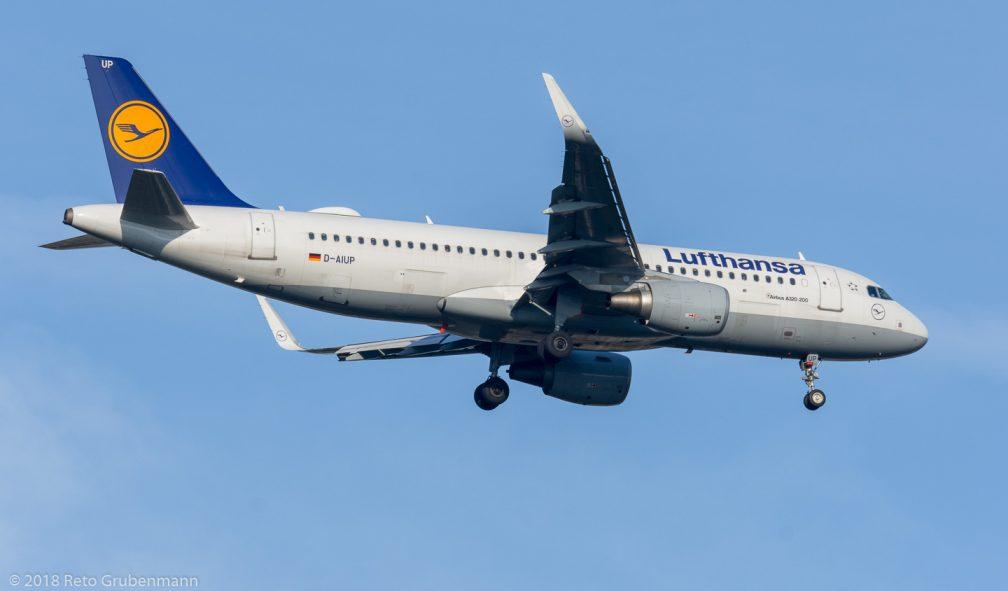 Lufthansa_A320_D-AIUP_ZRH180729