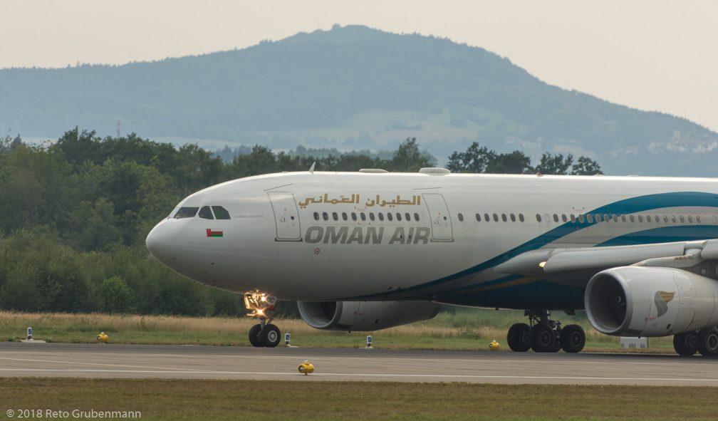 OmanAir_A332_A4O-DC_ZRH180801_01