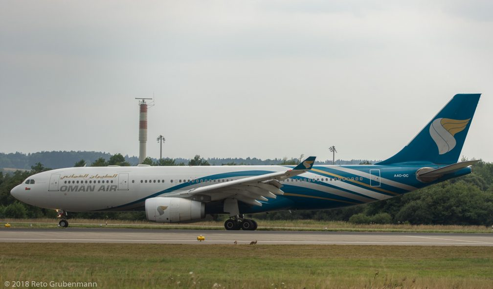 OmanAir_A332_A4O-DC_ZRH180801_02
