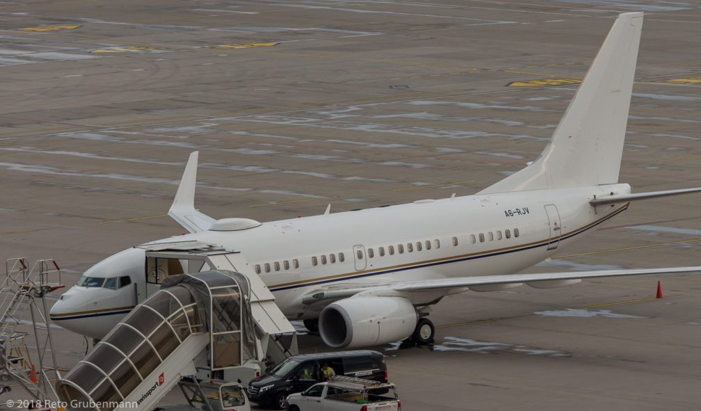 RoyalJet_B737_A6-RJV_ZRH180801_01