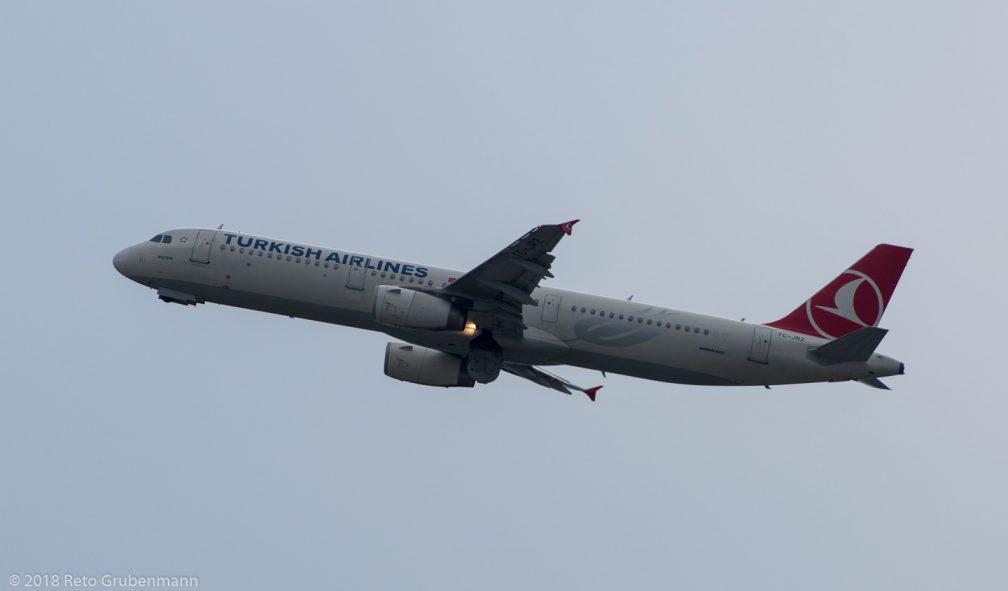 TurkishAirlines_A321_TC-JRZ_ZRH180801