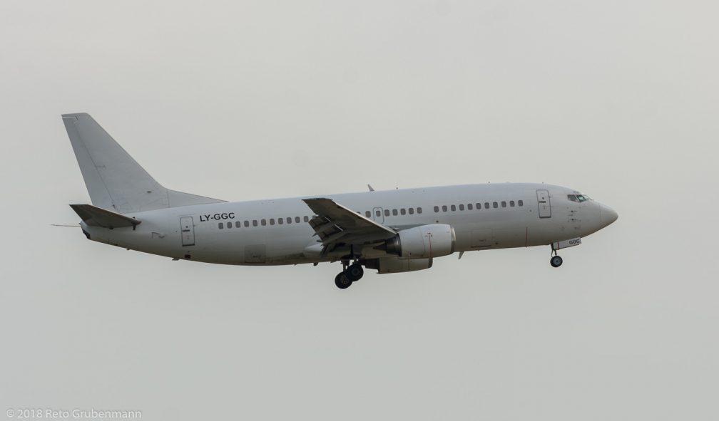 GrandCruAirlines_B733_LY-GGC_ZRH180804
